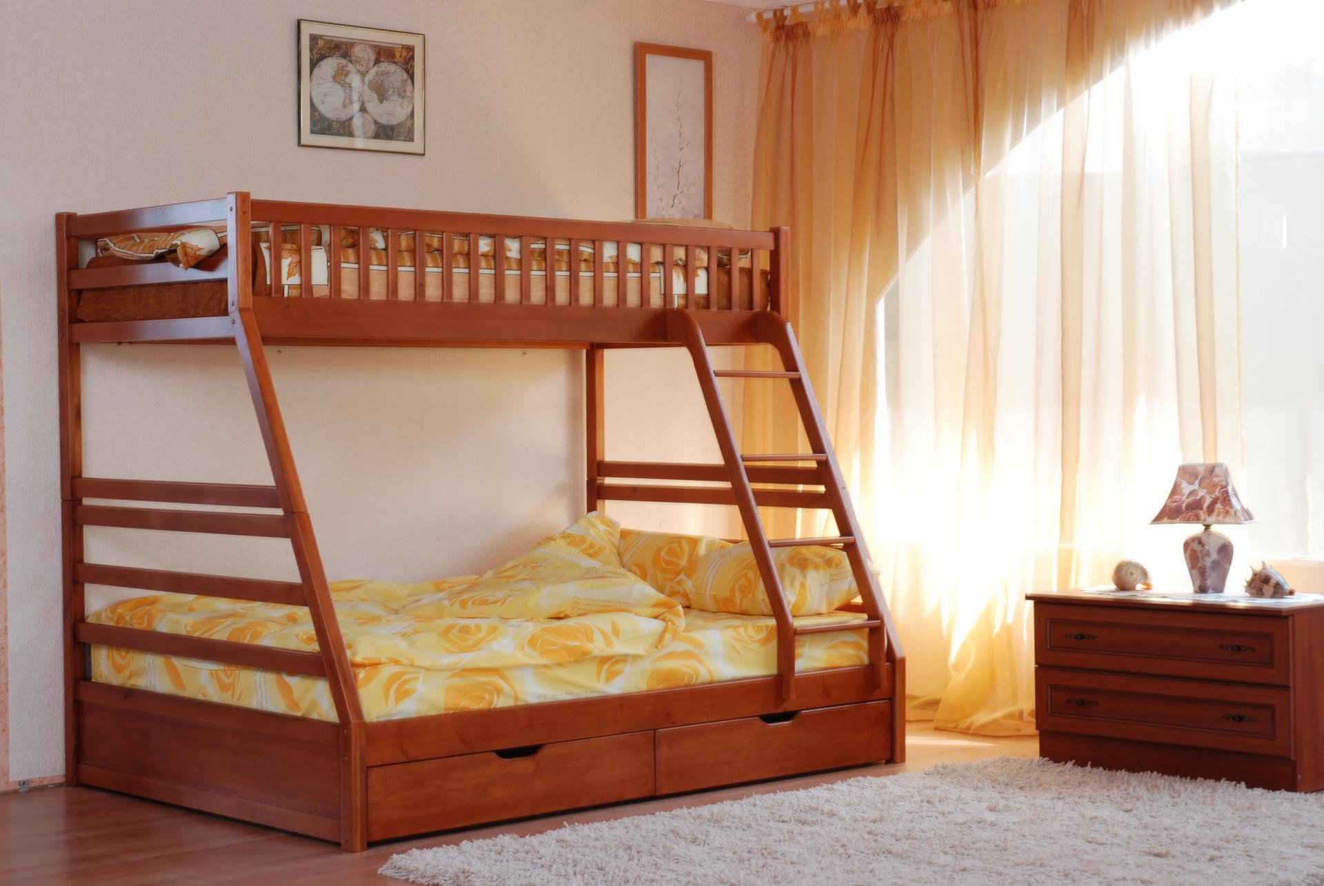 кровать для троих